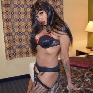 I am an expert at making you feel comfortable. I'll help you to loosen up before the fun begins. Can't wait? Me either!
